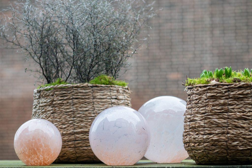 DutZ_gardenballs_oldrose